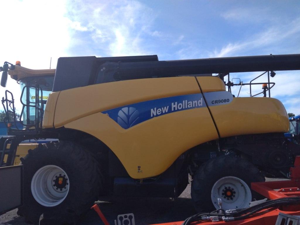 Зерноуборочный комбайн New Holland СR9080 (2008 г.в) бу + Жатка 30F